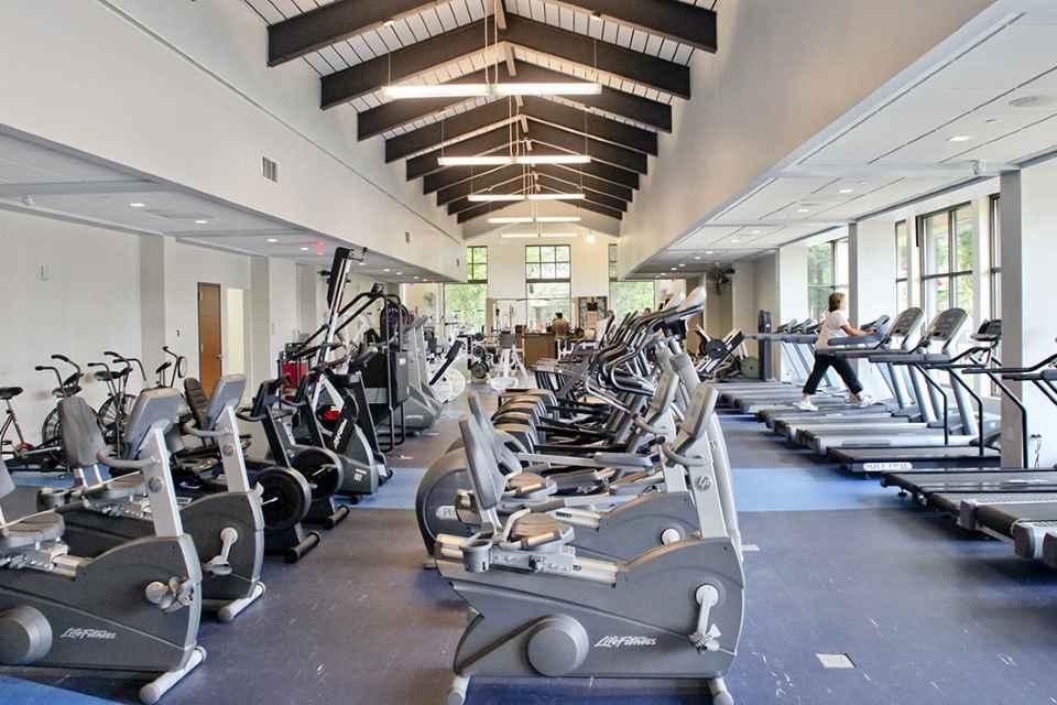 fitness_center2.jpg